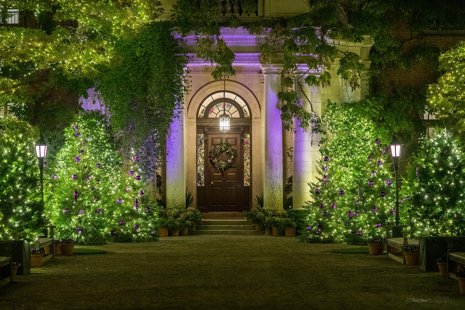 Gardenlights Frontofhouse (1)